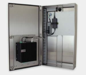 Enclosure industriale per PC commerciali / industriali con Dell 5000 montato