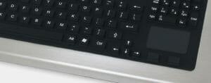 Tastierino a corsa lunga con touchpad, grado di protezione IP65/IP66