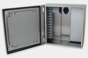 Enclosure senza alimentatore o sistema di raffreddamento